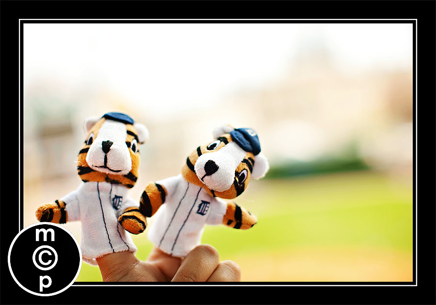 detroit tigers 33 A Depth of Field Lesson from Finger Puppets at a Baseball Game