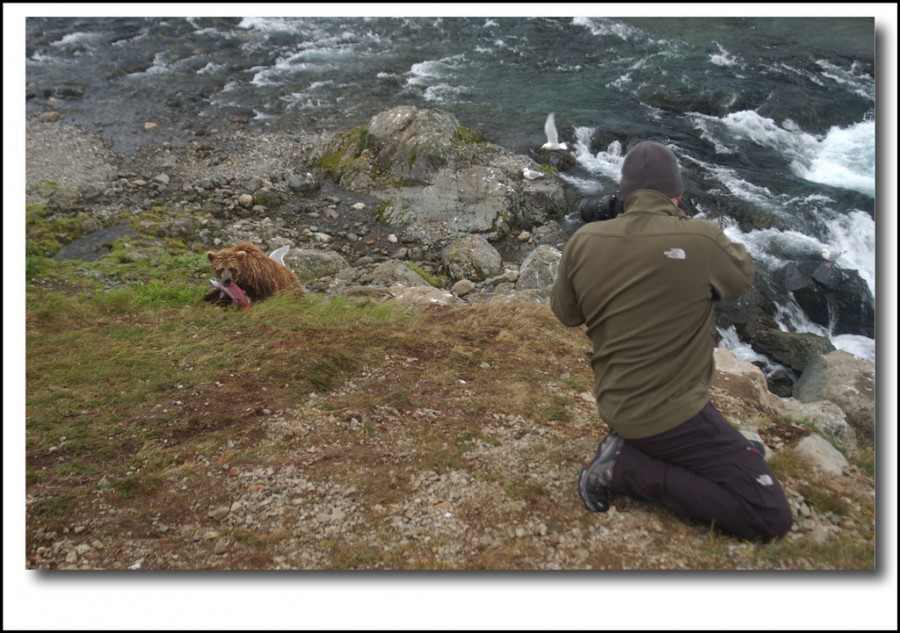 dsc 0363 900x633 Interview with Daniel Hurtubise about his trip to photograph bears in the Alaskan Wild