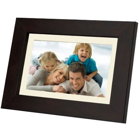 digital frame Top 20 Hottest Holiday Gift Ideas for Photographers for $50 or Less