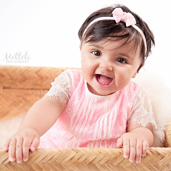smiling-babies-in-your-photography-sessions