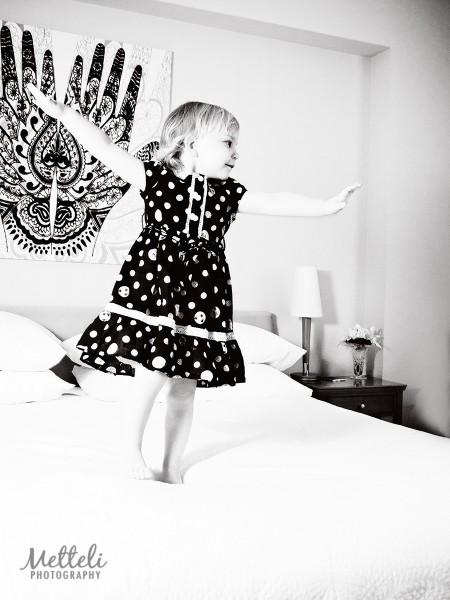 Dancing child portrait Metteli Photography