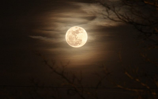 MoonTry6001 How to Photograph the Super Moon This Weekend