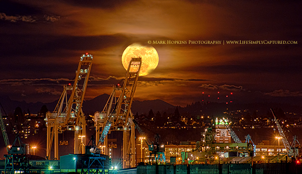 PerigeeMoon By MarkHopkinsPhotography1 How to Photograph the Super Moon This Weekend