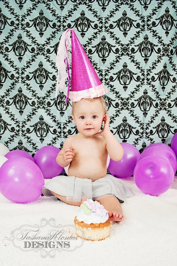 baby against shower curtain 600x900 30+ Creative Studio Backdrop Ideas for Photographers on a Budget