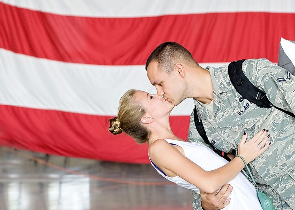 korrin032web 600x4281 5 Tips to Successfully Photograph Military Homecomings