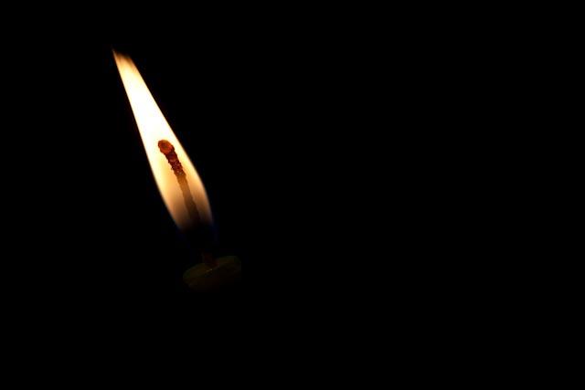 0912_chanukah-candles-dec-2009_038