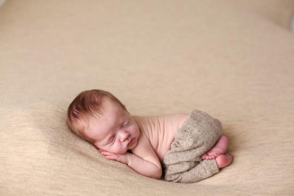 newborn-photography-posing