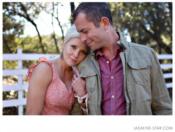 MalibuEngagementPhotos0041 600x453 Wedding Photographer, Jasmine Star, Teaches You How to Pose Couples