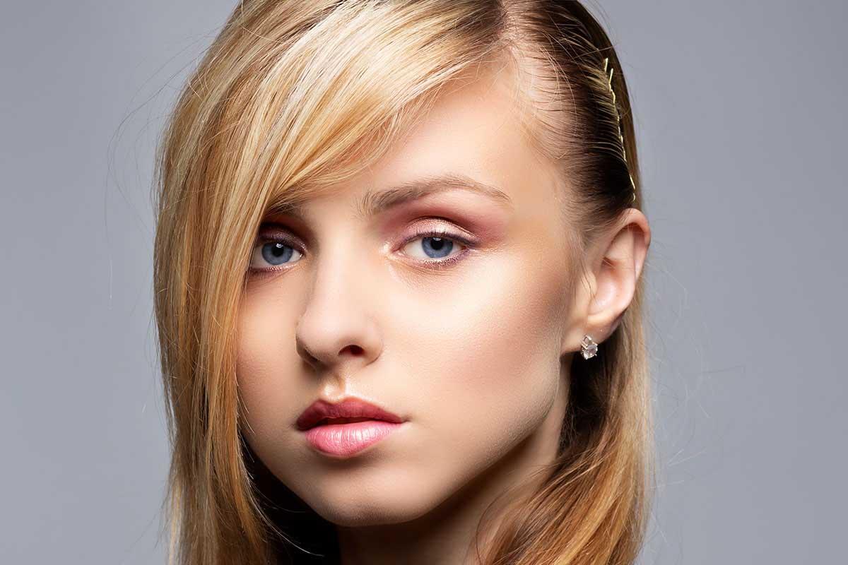 Picture Girl No Makeup Blond Makeup Toolkit After Shot