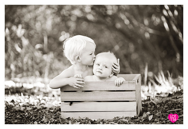 632024501_zBBJv-M-2 How to Capture Kissing Photos Without Awkwardness Activities Guest Bloggers Photography Tips
