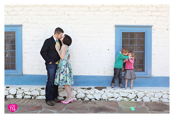 806042537_ab9UT-M-1 How to Capture Kissing Photos Without Awkwardness Activities Guest Bloggers Photography Tips