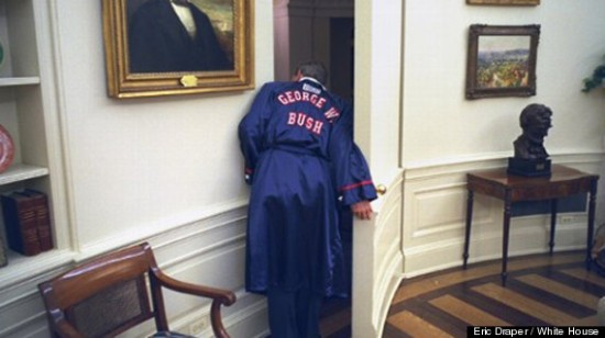 George-W-Bush-by-Eric-Draper1 The presidency of George W. Bush in images News and Reviews