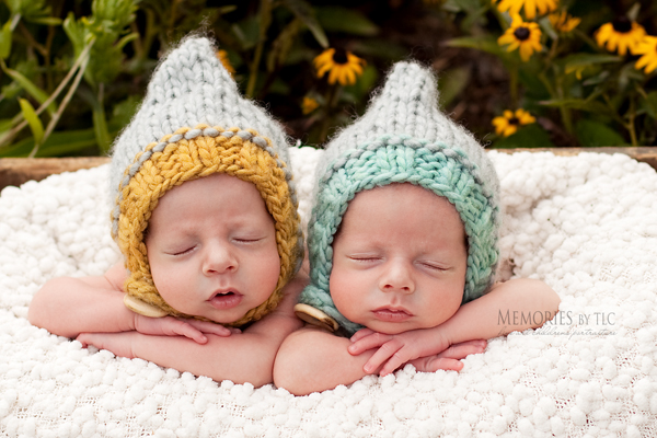IMG_0323-hats 7 Essential Newborn Photography Props to Start Your Collection Guest Bloggers Photo Sharing & Inspiration Photography Tips