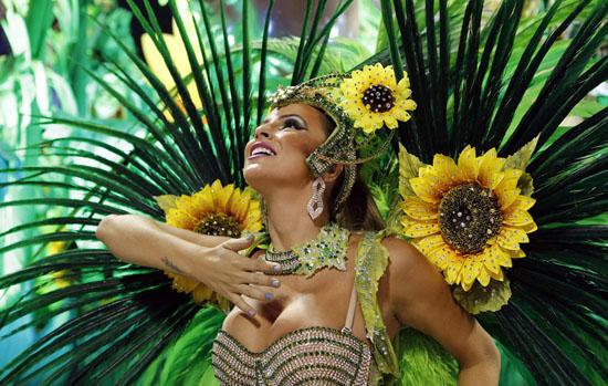 Rio-Vila-Isabel-school 2013 Rio Carnival: color, music, dance and skin Exposure