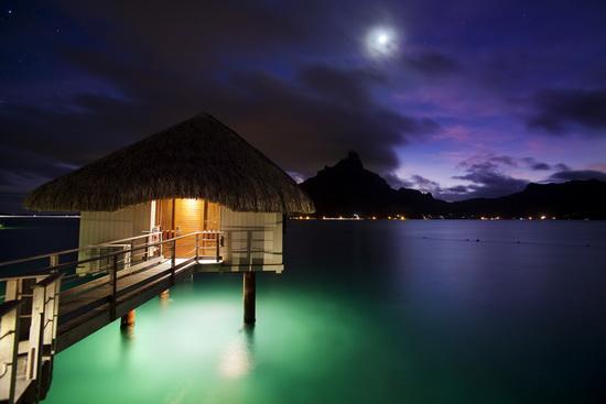 Twilight-Le-Meridien-Bora-Bora-Jimmy-Cohrssen Photographer Jimmy Cohrssen shares iPhoneography tips News and Reviews