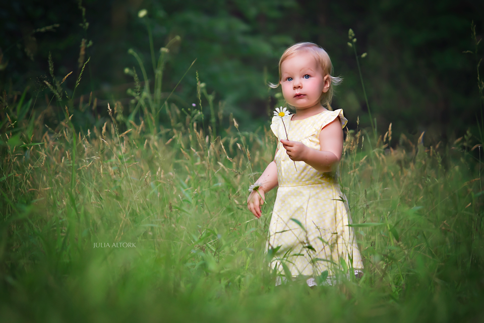 YellowWeb 7 Ways to Capture Emotion in Your Photography Guest Bloggers Photography Tips Photoshop Tips & Tutorials