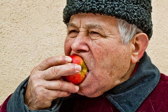 Alexandrina Paduretu Tasty Apple