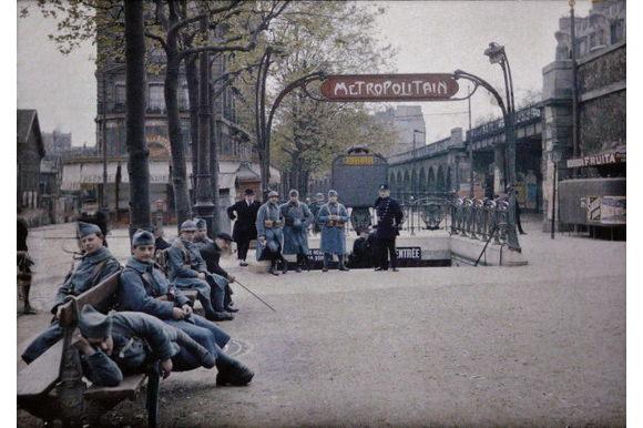 autochrome-metro-station-paris photo