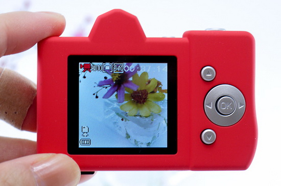 bonzart-lit-back Bonzart Lit launched as a cute DSLR-like toy camera News and Reviews