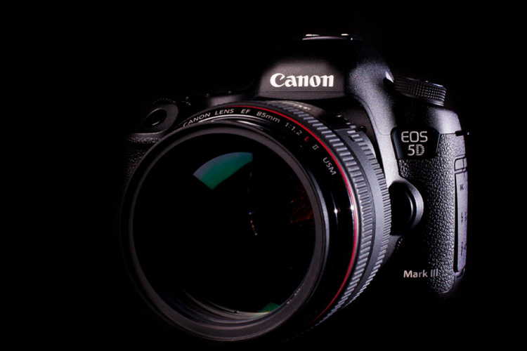 canon 5d mark iv release date rumors