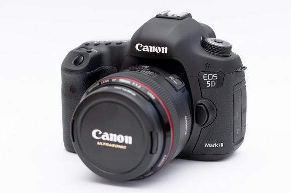 Canon EOS 5D Mark IV specs rumor