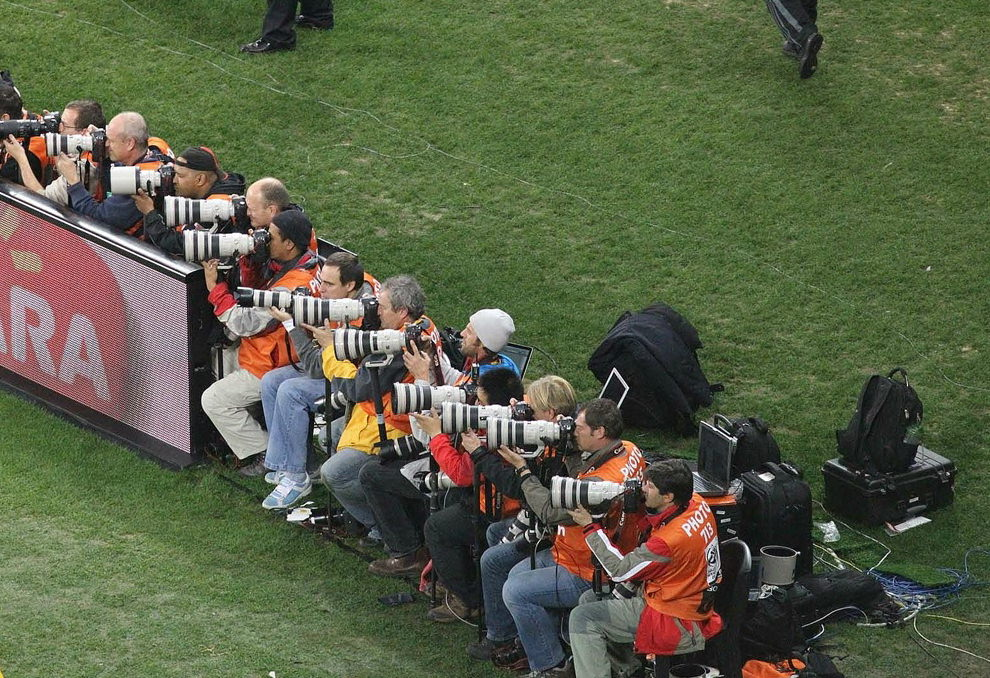 canon-vs-nikon-2010-world-cup Canon vs Nikon war still waging at major sports events Exposure
