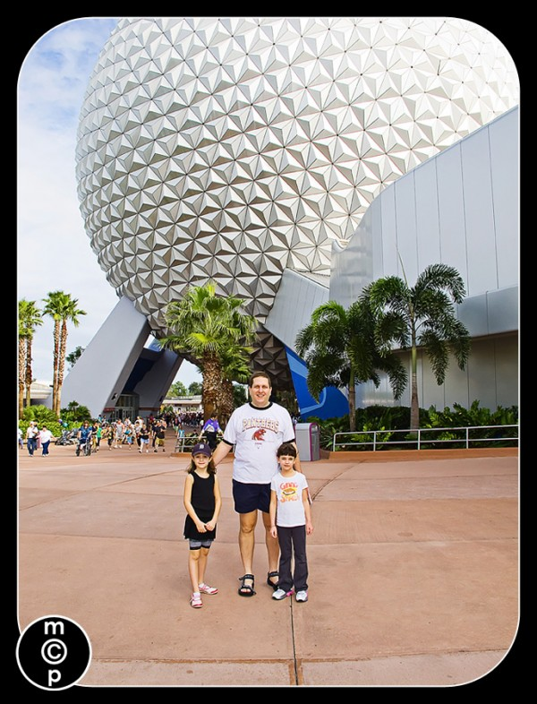 disney-15-600x786 FAQ: Informal Review of the Canon G11 P&S FAQs Photography & Photoshop News