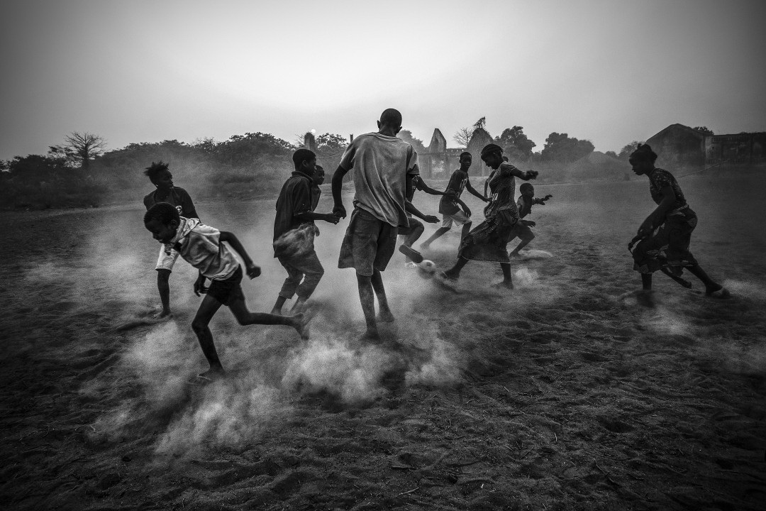 football-in-guinea-bissau-daily-life-world-press-photo Photographer resumes career after winning World Press Photo award Exposure
