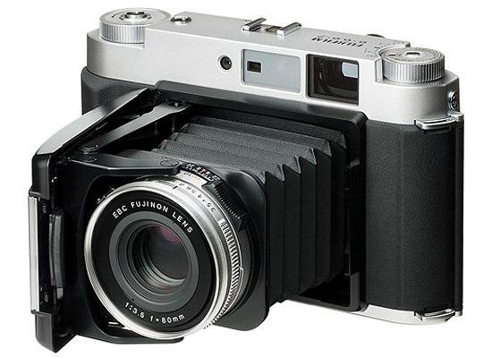 fujifilm-gf670 Fujifilm medium format camera rumored to be in development Rumors
