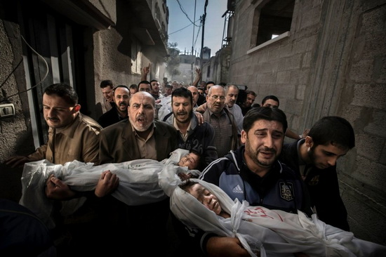 gaza-burial-world-press-photo Gaza Burial image is not fake, World Press Photo says News and Reviews