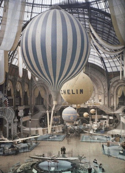 grand-palais-exposition-1909-autochrome Color photos of the 1900s Paris taken using autochrome technique Exposure