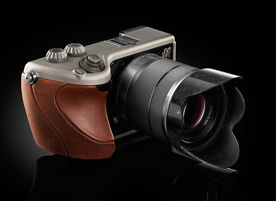 hasselblad-lunar Two Hasselblad compact cameras and a DSLR to go public in 2013 Rumors