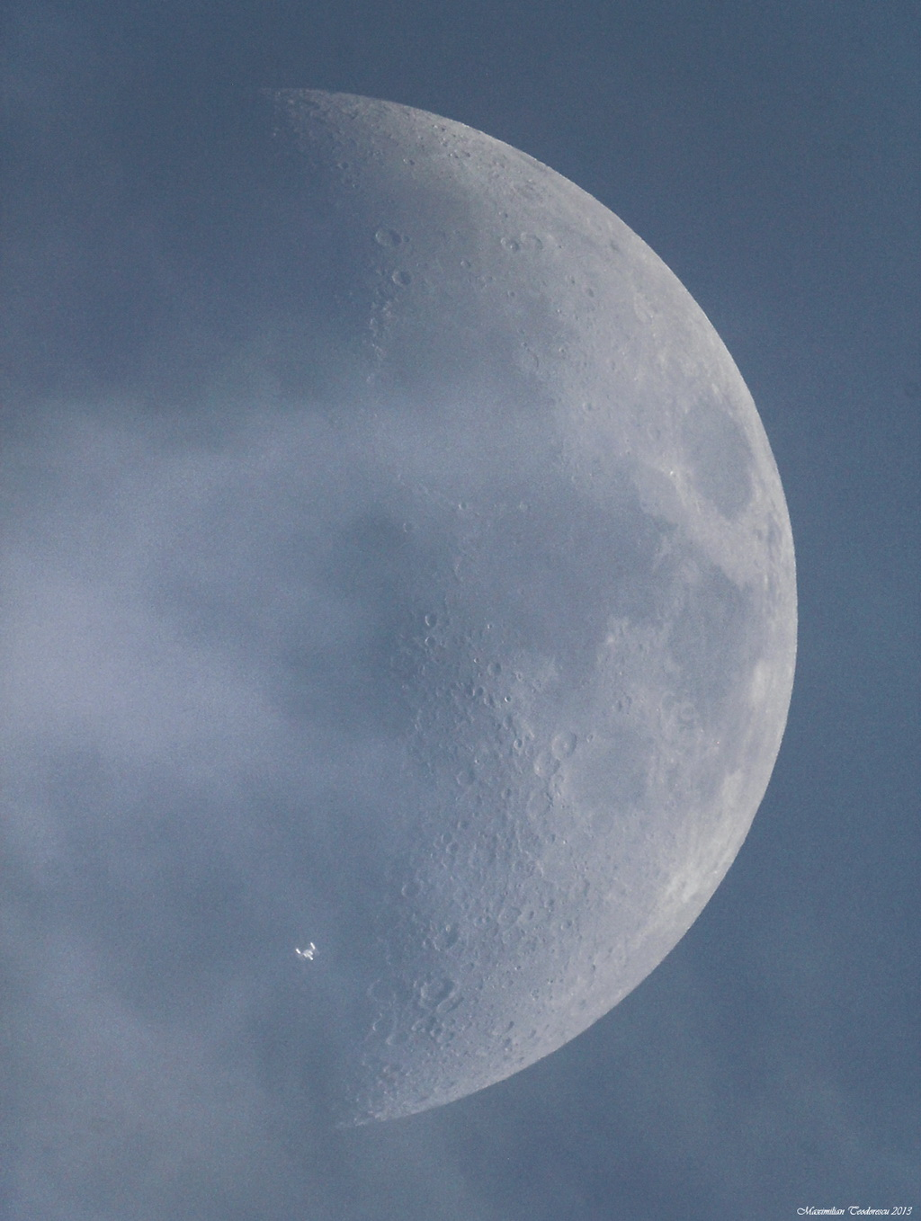 iss-transiting-the-moon Transiting the moon makes the ISS look like the Enterprise Exposure