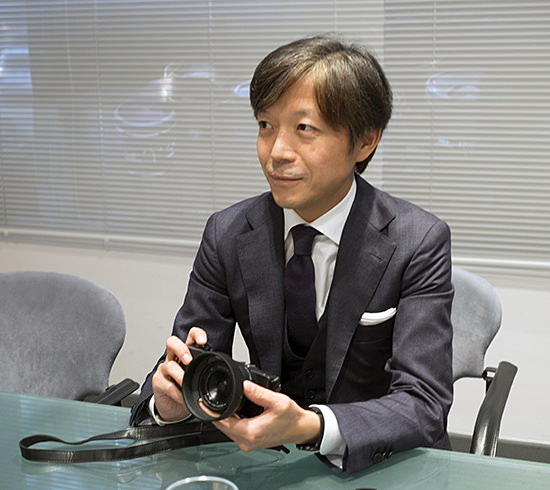 kazuto-yamaki New Sigma mirrorless lenses are coming as market is growing, says CEO News and Reviews