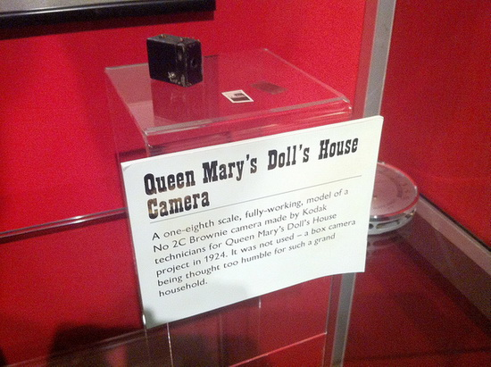 kodak-brownie-queen-mary Working 1/8 scale Kodak Brownie was created for Queen Mary News and Reviews