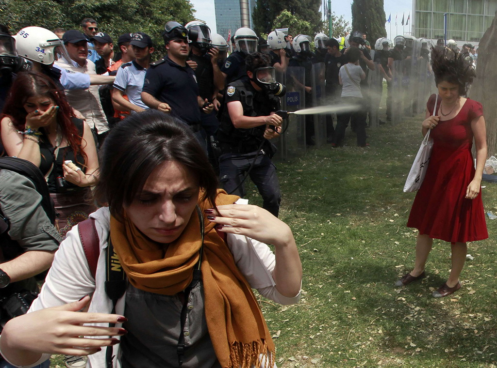 """lady-in-red """"Lady in red"""" is now the symbol of the protests in Turkey Exposure"""