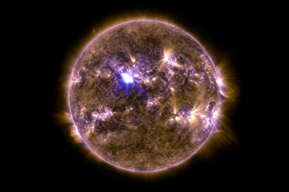 NASA biggest solar flare of 2013