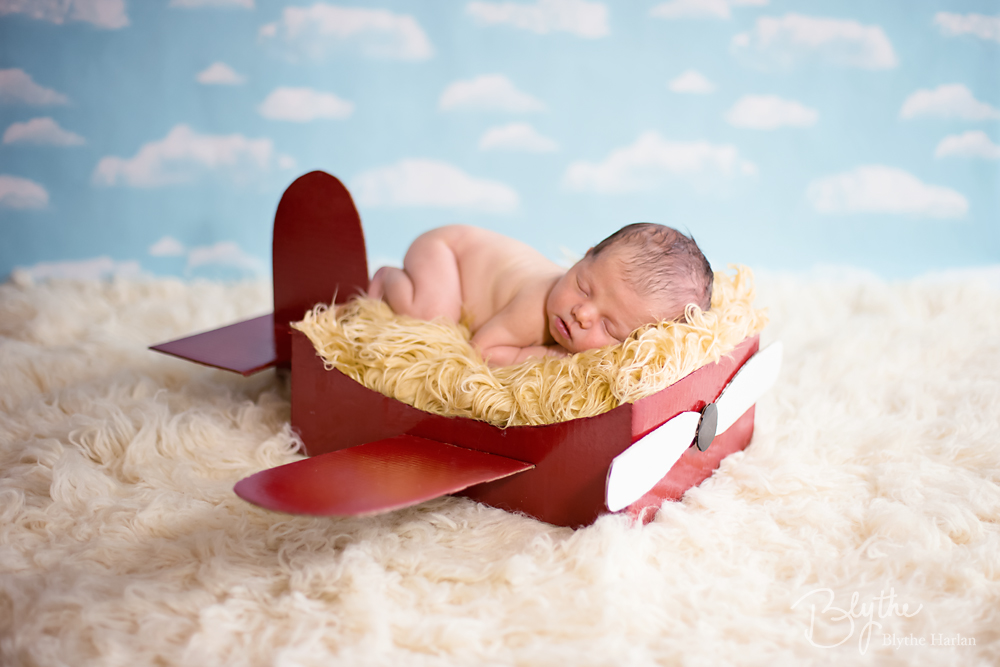 miniIMG_1393p Make a DIY Box Airplane Prop for Newborn Photography Guest Bloggers Photography Tips Uncategorized