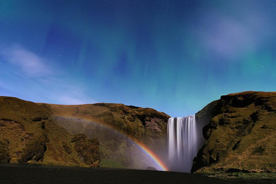 moonbow Stéphane Vetter captures stunning aurora borealis photos Exposure