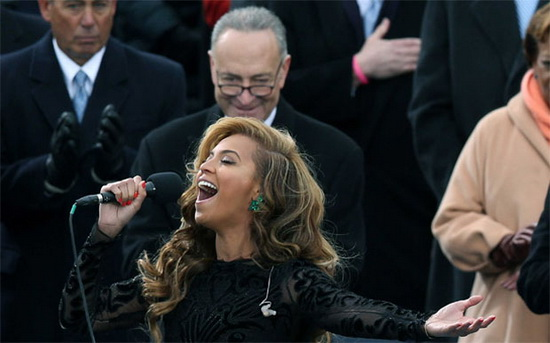 new-york-senator-photobomb-beyonce Best photobombs from Barack Obama's second inauguration Fun