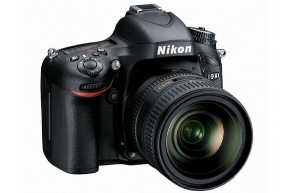 Nikon D610 features