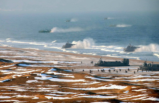 north-korea-photoshop-hovercraft-fleet North Korea used Photoshop to make its hovercraft fleet bigger Fun