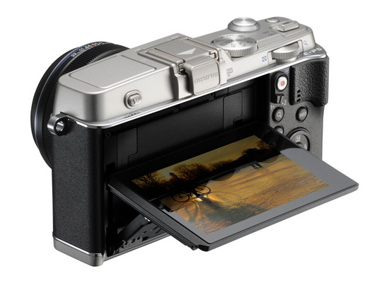olympus-e-p5-tilting-touchscreen Olympus E-P5 release date, price, and specs become official News and Reviews