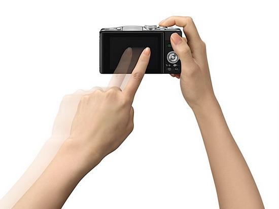 panasonic-gf6-rear Panasonic GF6 camera with NFC and WiFi becomes official News and Reviews
