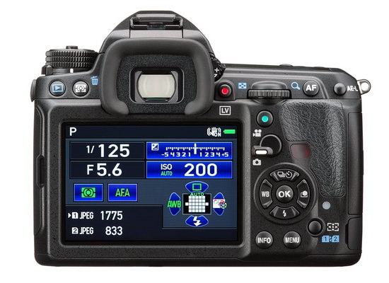 pentax-k-3-ii-back Pentax K-3 II unveiled with built-in GPS instead of pop-up flash News and Reviews