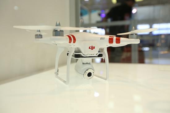 phantom-vision-camera DJI will release Phantom as built-in camera quadcopter News and Reviews