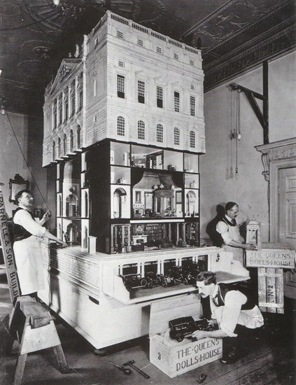 queen-mary-doll-house Working 1/8 scale Kodak Brownie was created for Queen Mary News and Reviews
