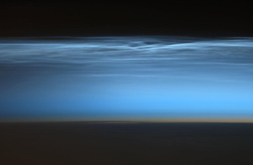 "rare-cloud Earth's beauty ""tweeted"" from the lens of an astronaut News and Reviews"