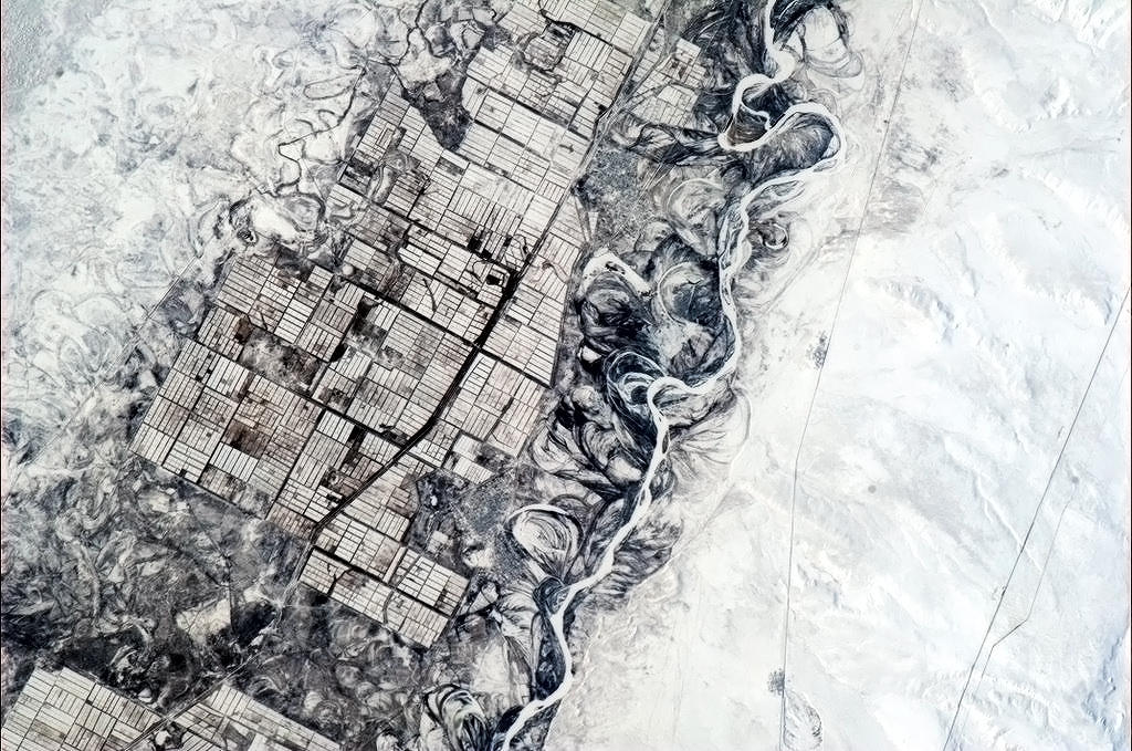 "river-vs-farmer-lanes-asia Earth's beauty ""tweeted"" from the lens of an astronaut News and Reviews"