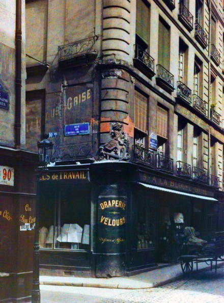 rue-de-hotel-de-ville-1910-paris Color photos of the 1900s Paris taken using autochrome technique Exposure